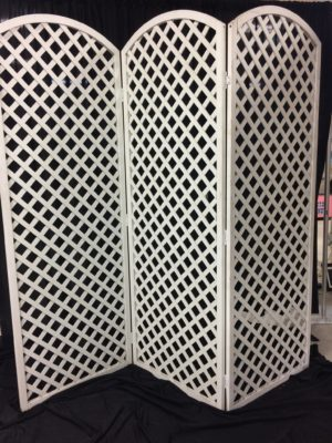 Screen, 3 panel lattice